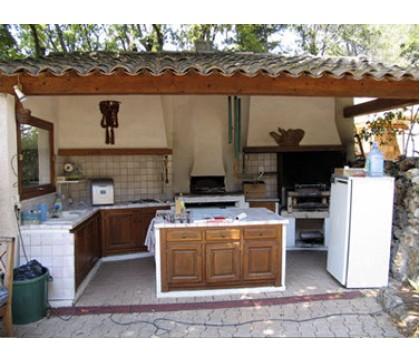 Как сделать летнюю кухню удобной?